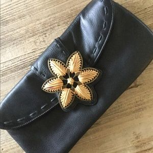 Coldwater Creek Leather Clutch 🌻